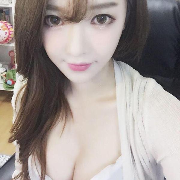 龙珠tv韩国女主播阿英直播地址